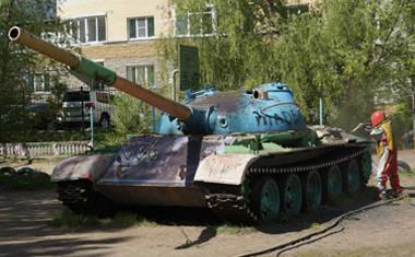 """Акция от компании Анкор: """"Покрась танк своего двора!"""""""